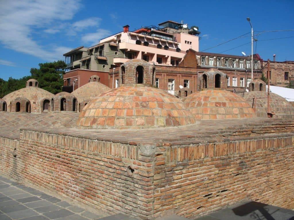 Серные бани в тбилиси. выбираем лучшую. цены на общественные и семейные номера, как добраться, отзывы о посещении | tips&trips