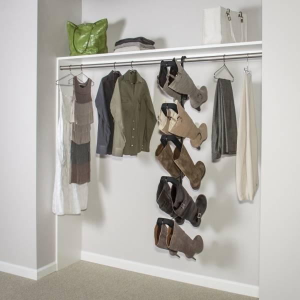 Прихожая в современном стиле со шкафом