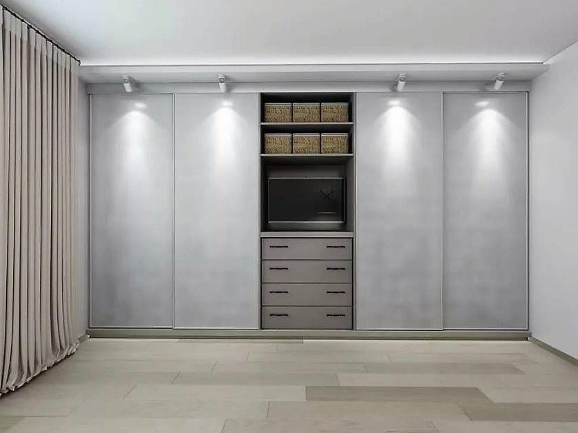 Шкаф-купе в спальню (126 фото): встроенный, угловой, дизайн с внутренними размерами