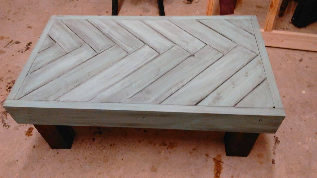 Круглый деревянный поднос из обрезков досок без токарки