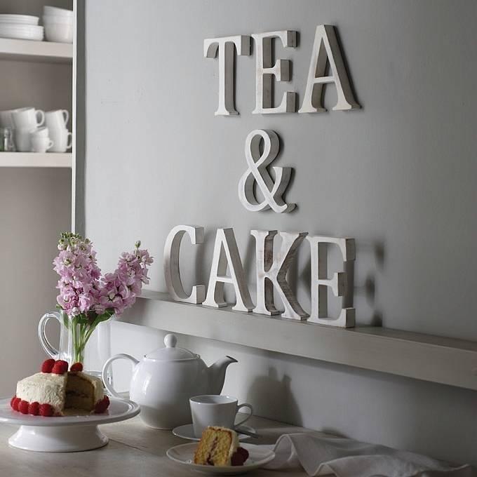 Объемные декоративные буквы и надписи в интерьере (35 фото)