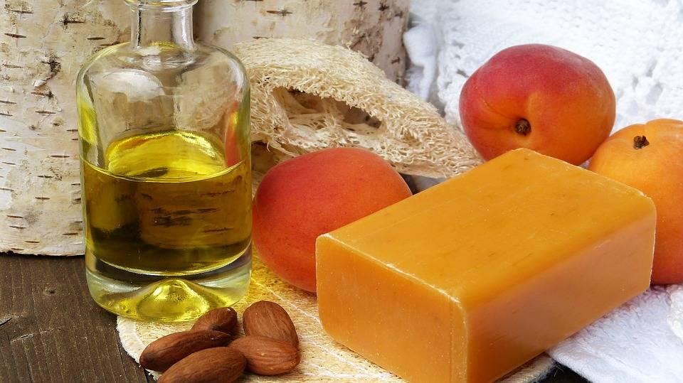 Применение хозяйственного мыла в быту и народной медицине