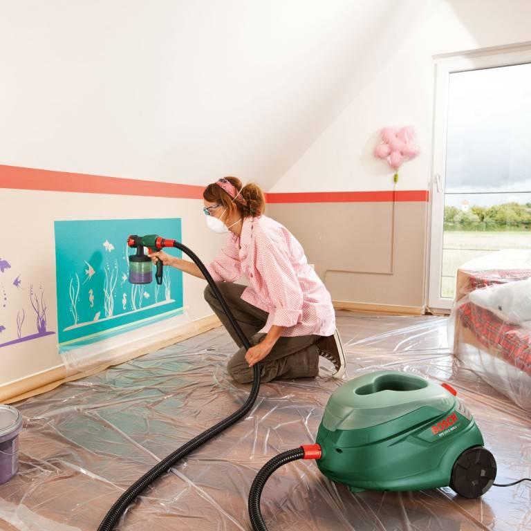 Как покрасить потолок водоэмульсионной краской? покраска без разводов, побелка своими руками, каким валиком лучше пользоваться