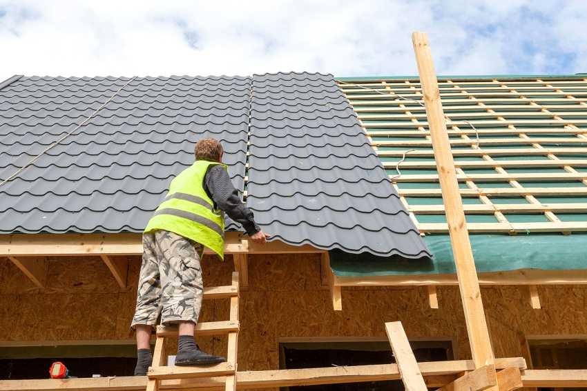 Чем лучше накрыть крышу частного дома?стройкод