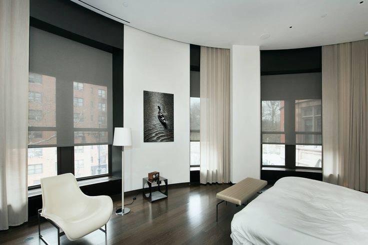 18 наглядных примеров оформления окон в гостиной в современом стиле