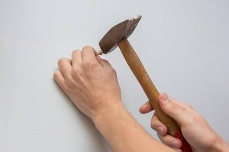 Как использовать молоток для забивания гвоздей? лайфхаки +видео