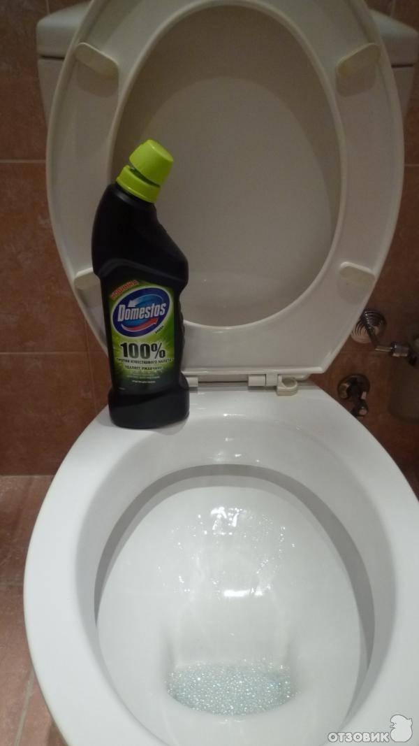 Как очистить унитаз внутри: готовые и народные средства
