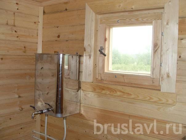 Установка окна в парной бани