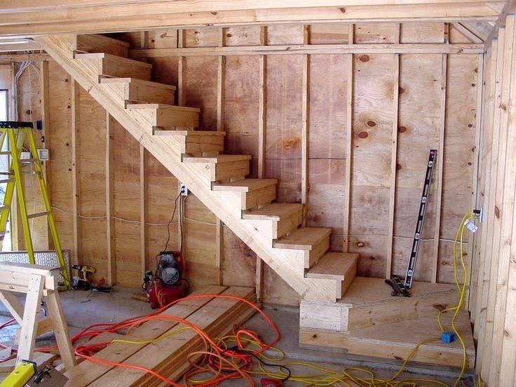 Лестница на мансарду (53 фото): лесенки на мансардный этаж в небольшом частном доме, установка своими руками
