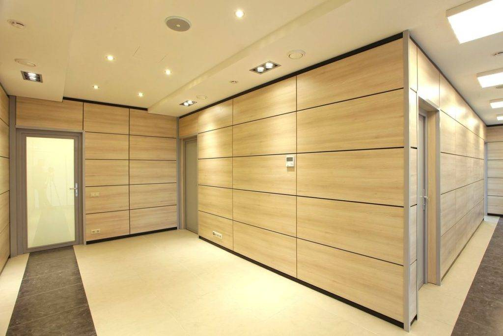 Негорючие материалы для отделки стен: термостойкая краска, грунт, обои и несгораемые плиты