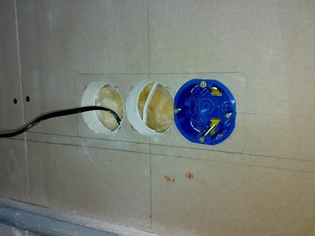 Как установить подрозетник в бетонную стену | remsovet.com