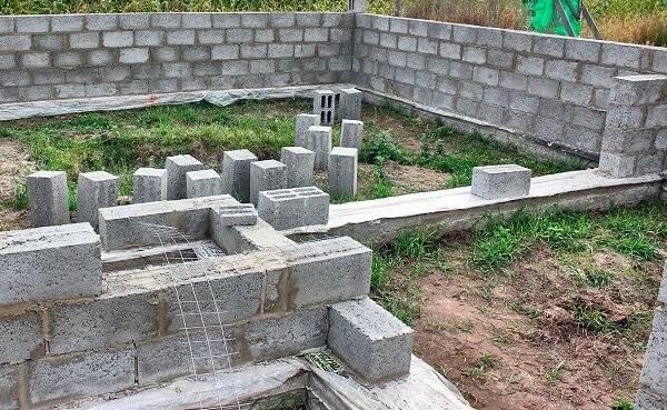 Баня из шлакоблока: преимущества и недостатки, выбор материала