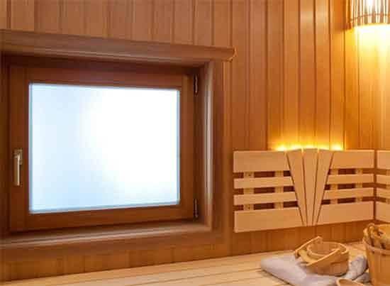 Окна в парилку: нужно ли оно вообще в бане или нет, если решили, что нужно, то какие лучше размеры и расположение, в чем разница для русской бани и для финской сауны