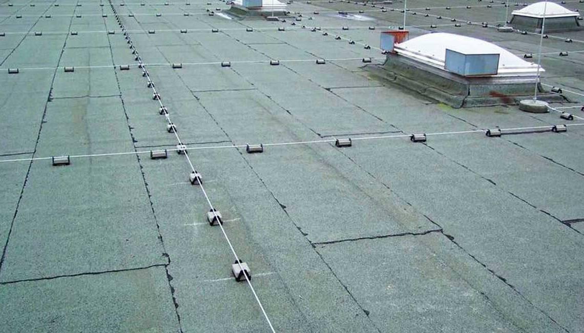 Молния защита двухскатной крышей: производства, классификация и способы установки