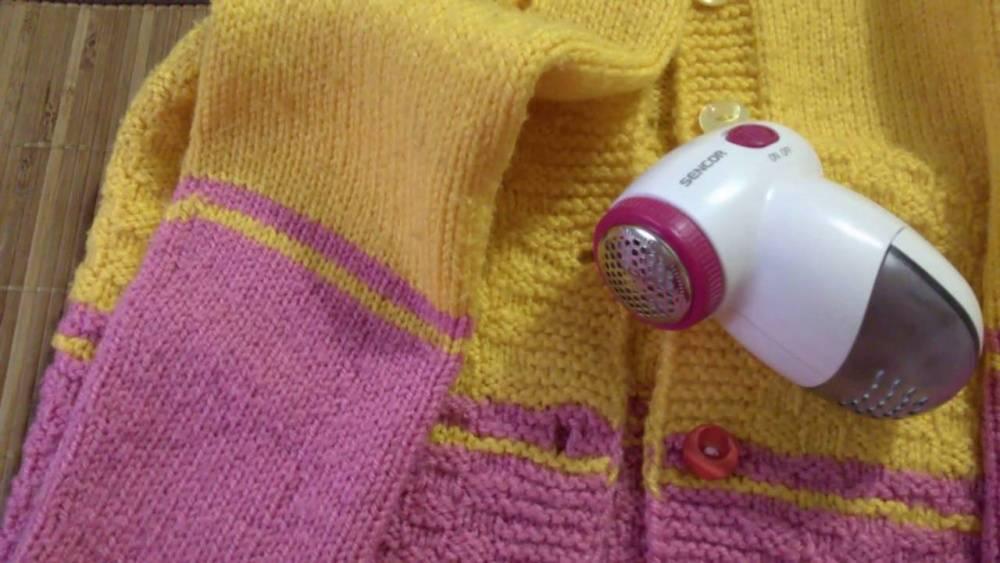 Как убрать катышки с пальто в домашних условиях