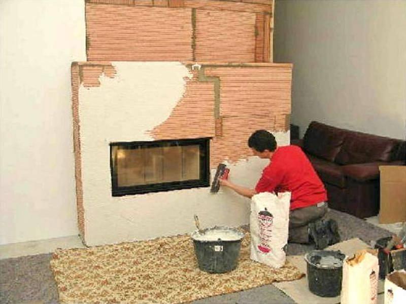 Как правильно оштукатурить кирпичную печь в доме своими руками чтобы не трескалась