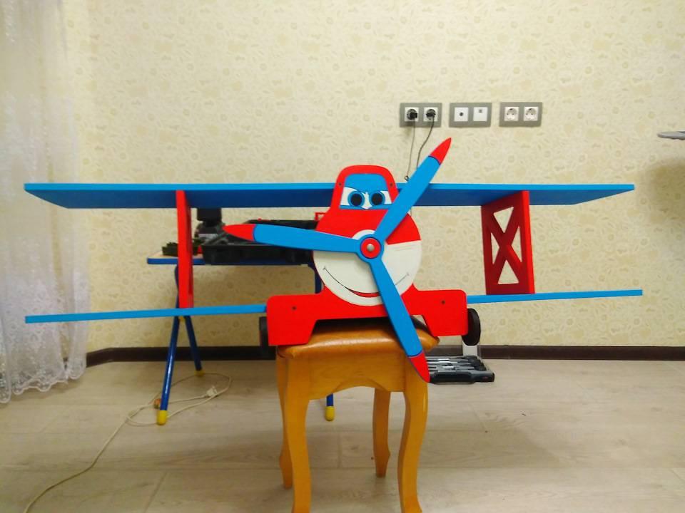Полка-самолёт в детскую своими руками: инструкция