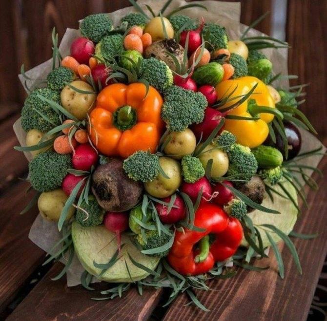 Букет из листьев в садик. букеты осенних цветов своими руками