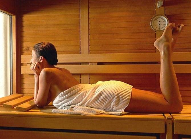 Можно ли беременным ходить в баню: в первом и во втором триместре, почему нельзя посещать на раннем сроке и можно ли париться в горячей сауне?