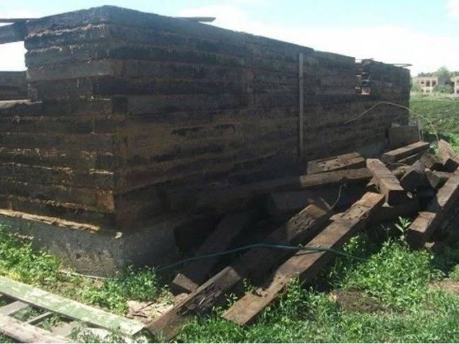 Баня из шпал: фундамент, как построить своими руками    баня из шпал вредно или нет