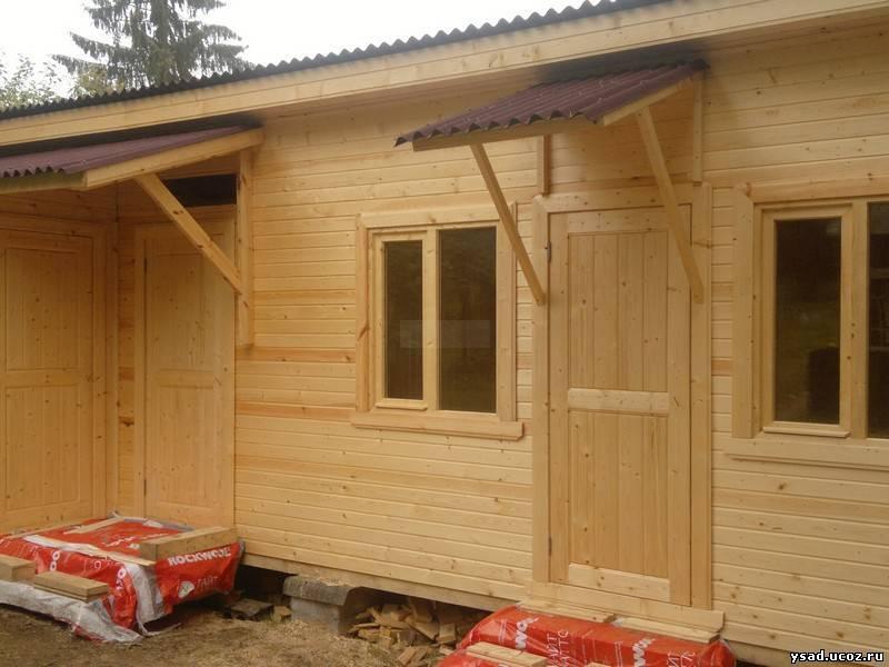 Хозблок с дровником: проект дровника для дачи под одной крышей с туалетом, бытовка с дровницей из мини-бруса