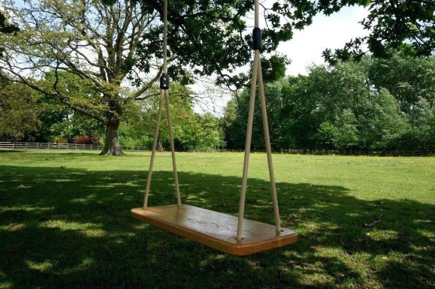 Как сделать качели из дерева и металла