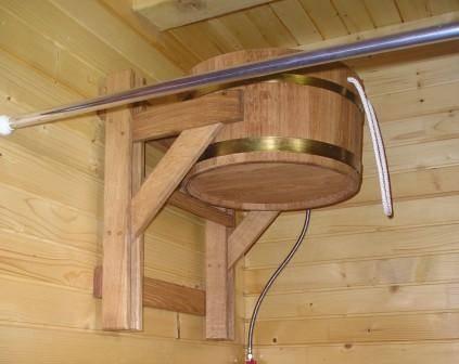 Как выбрать и установить обливное ведро для бани