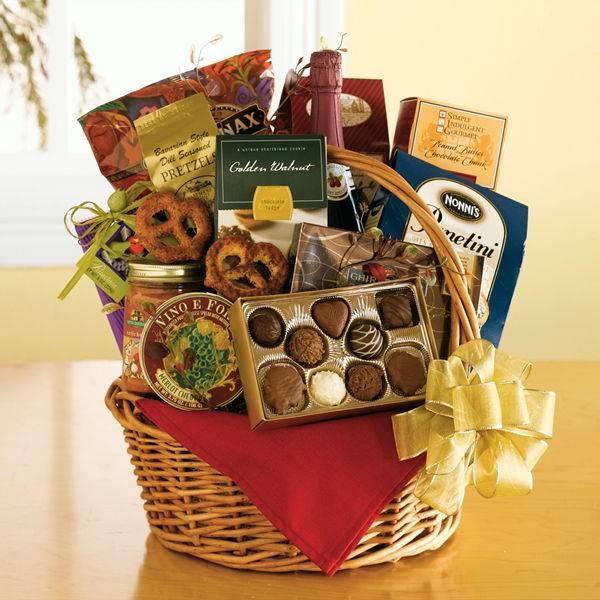 Поделки из конфет своими руками - мастер-классы на все праздники, фото идеи и примеры