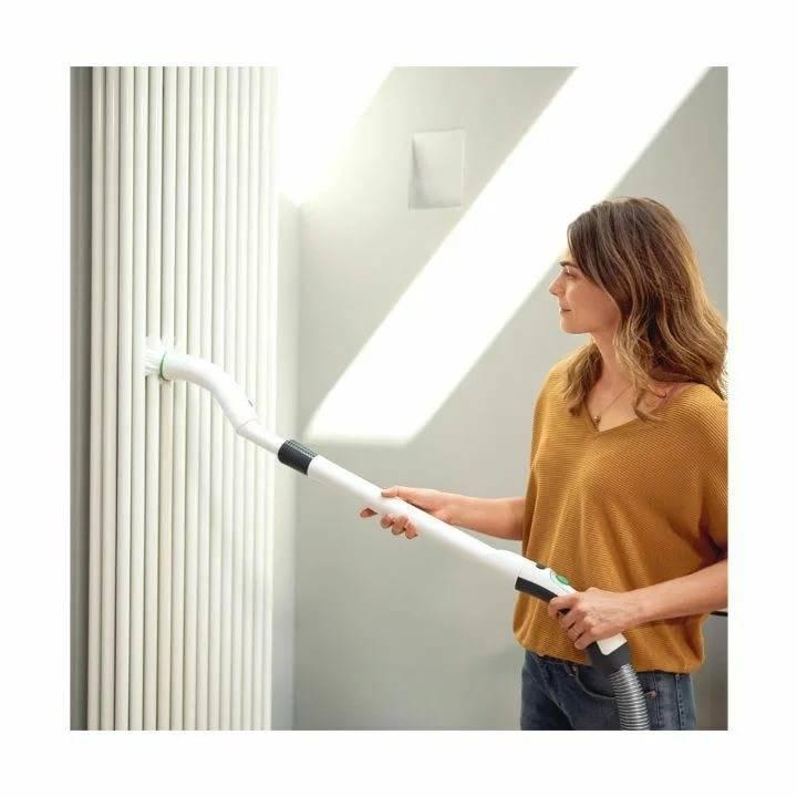 Как покрасить потолок водоэмульсионной краской без пятен и полос