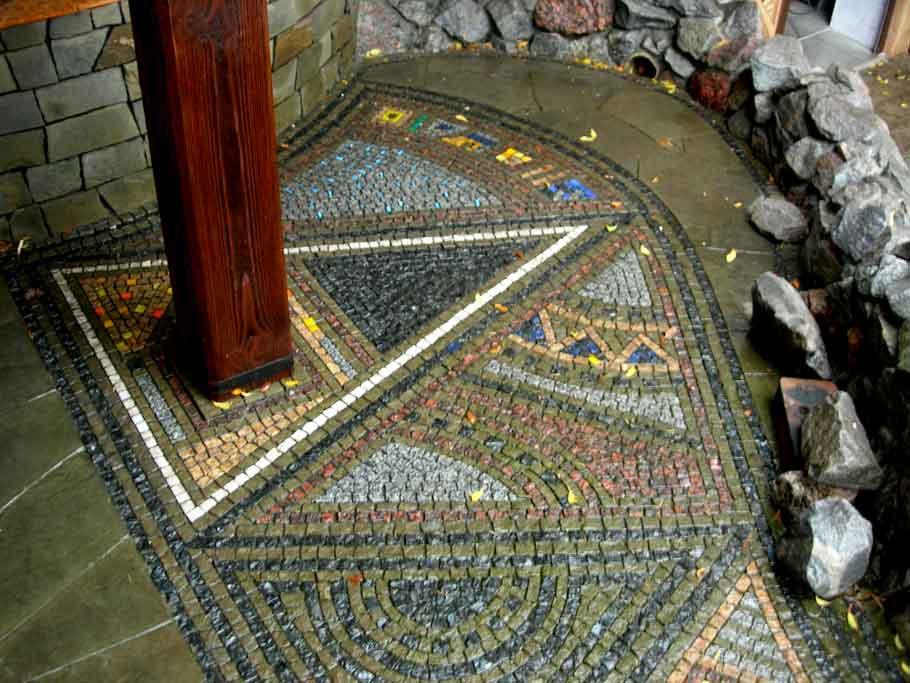 Мозаика напольная: мозаичный пол из мраморной крошки, стеклянная и керамическая плитка, покрытие из керамогранита