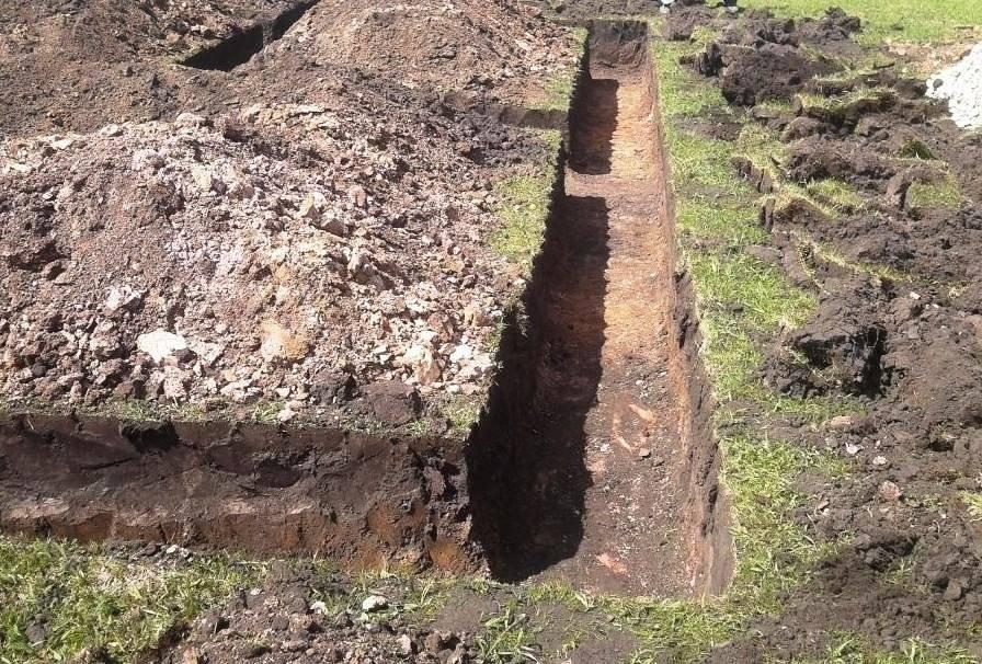 Какой фундамент нужен для дома, если грунтовые воды близко?