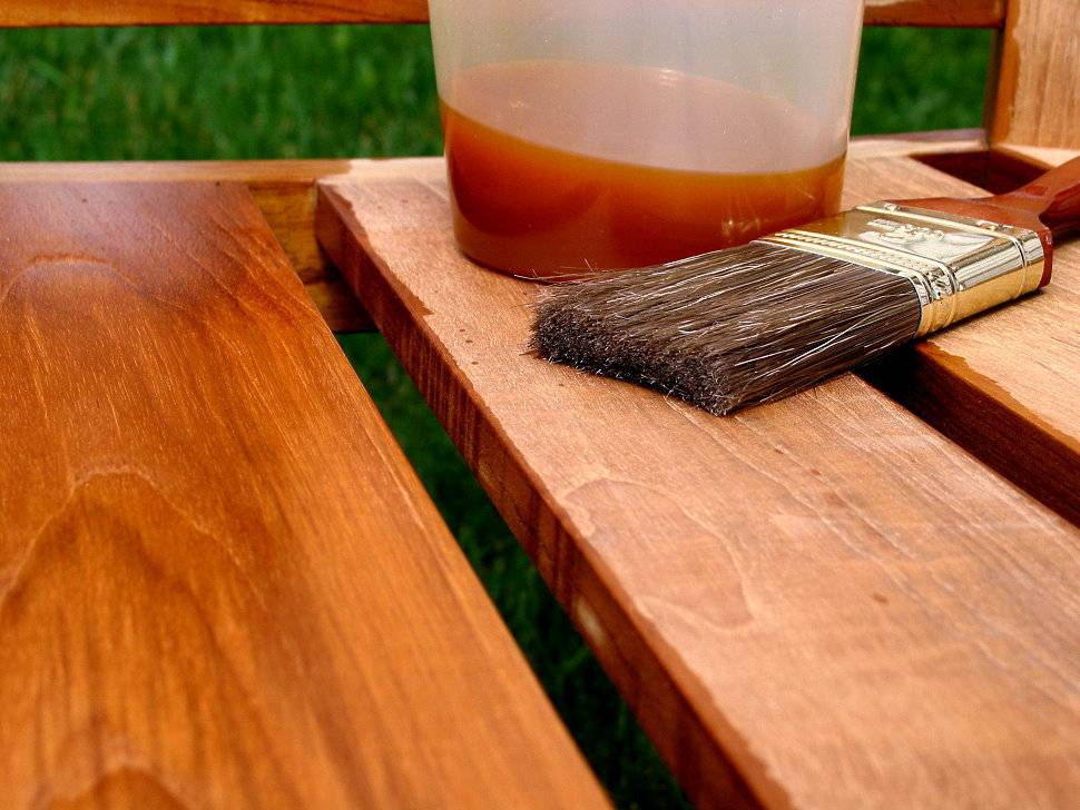 Спасаем деревянные полы в бане от гниения: лучшие пропитки и методы их применения