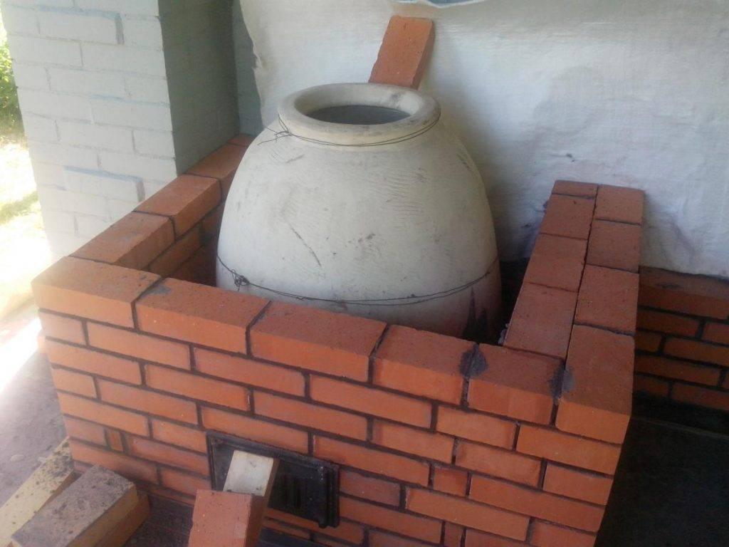 Удобная печь и непередаваемый национальный колорит: как сделать узбекский тандыр из глины?