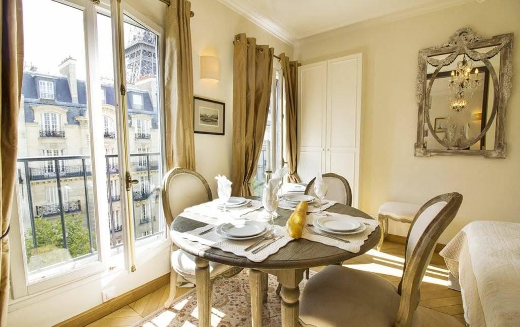 Парижский стиль интерьера, фото – rehouz