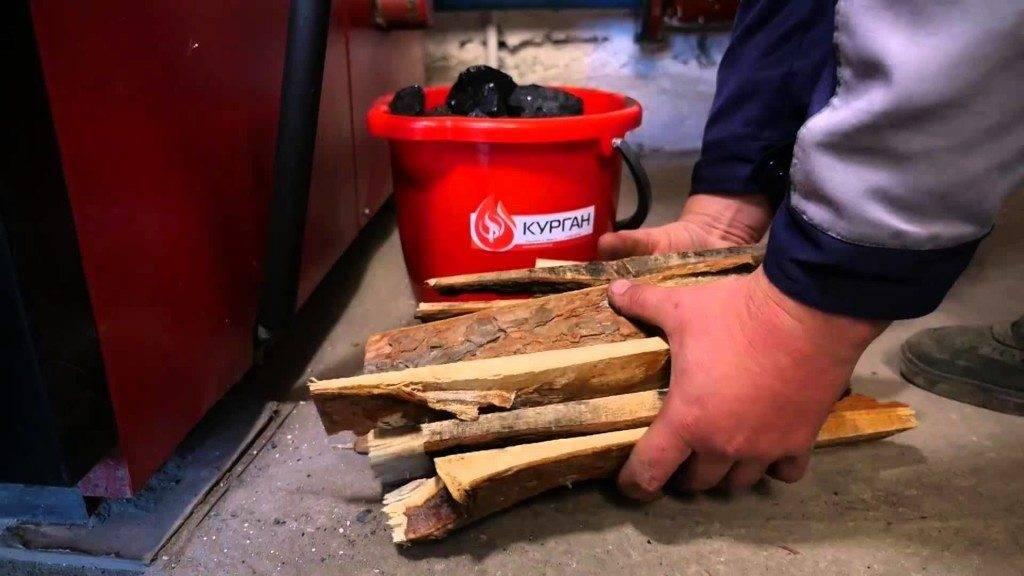 Чем топят буржуйки – какие виды топлива применяются и что использовать нельзя