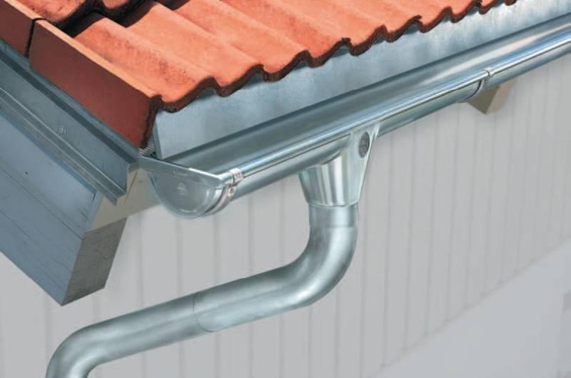 Как установить водостоки, если крыша уже покрыта - aqueo.ru