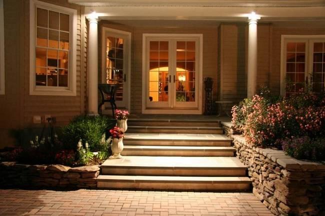 Крыльцо в частном доме — выбор материала и дизайна