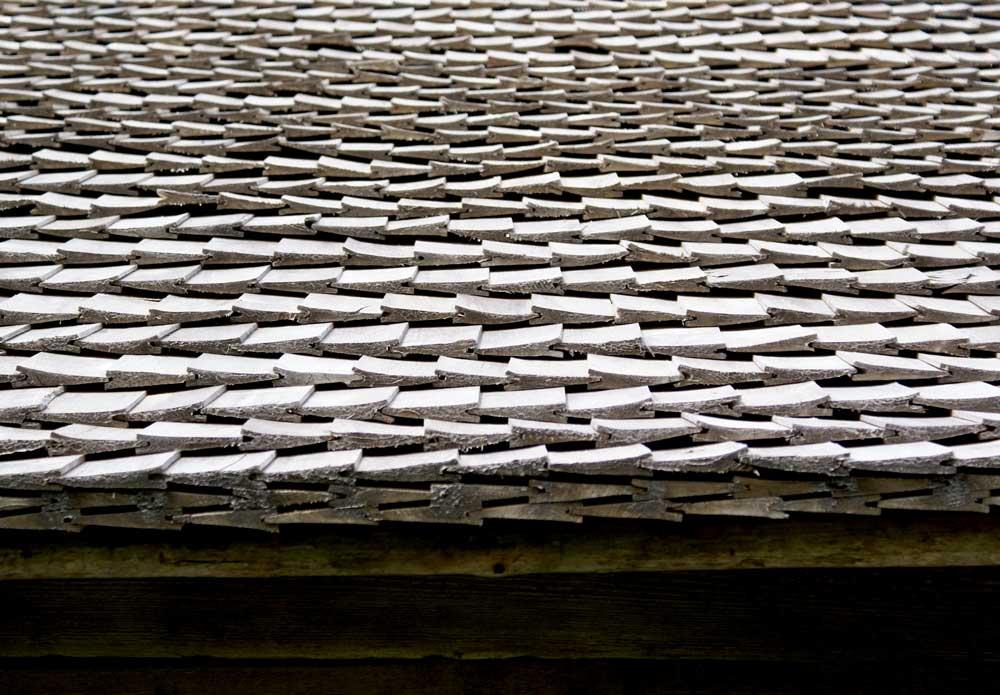 Дранка на крыше: свойства, преимущества, срок службы, особенности укладки