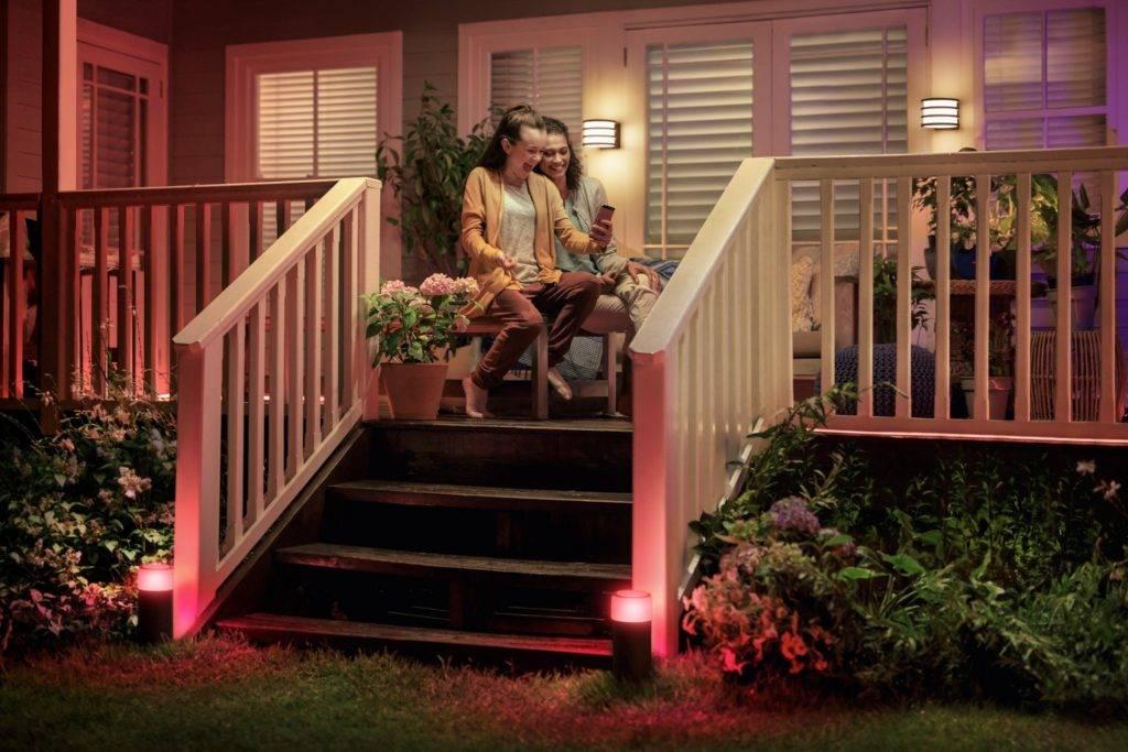 Дизайн крыльца (50 фото): оформление входа частного дома, отделка конструкции с высоким фундаментом, как правильно оформить и обустроить крылечко