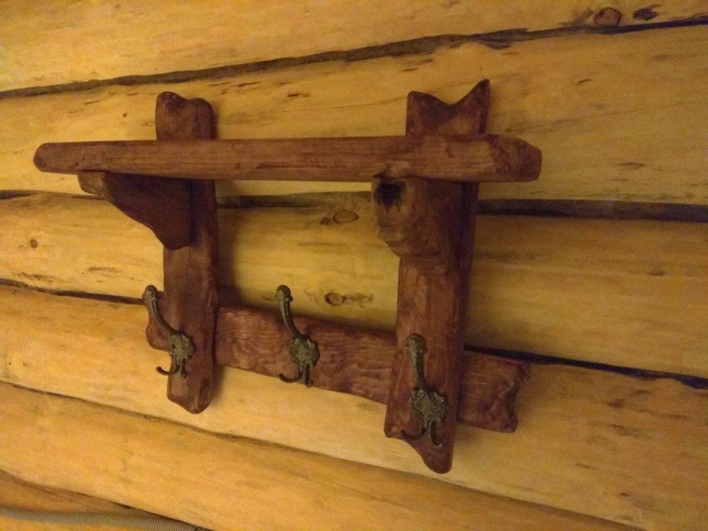 Вешалка в баню своими руками: чертежи деревянных вешалок, как сделать из дерева крючки