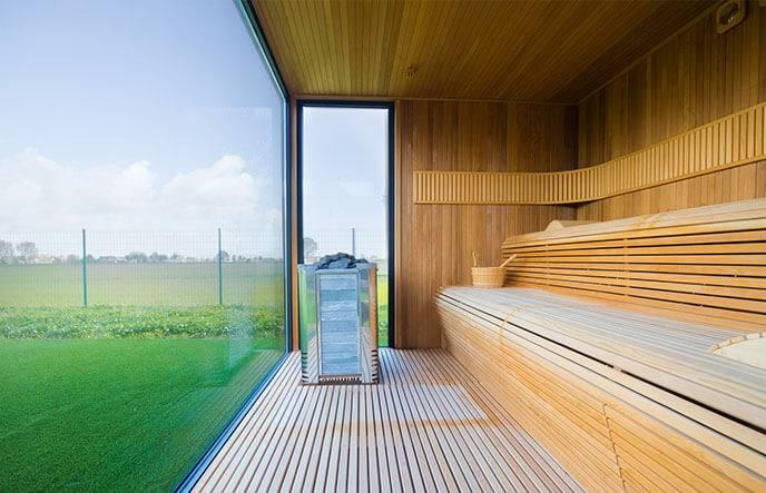 Баня 6 на 3 с панорамными окнами. проекты бань с комнатой отдыха