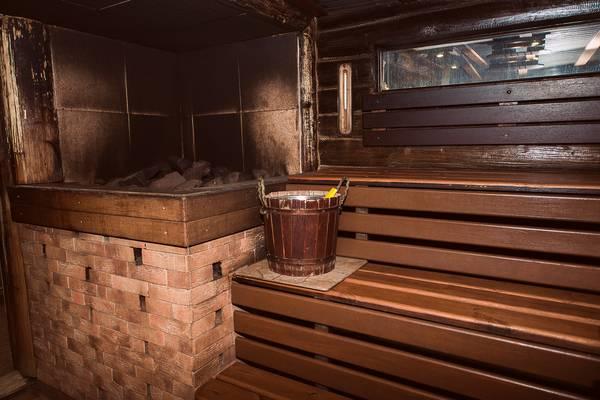 Как правильно топить баню дровами?