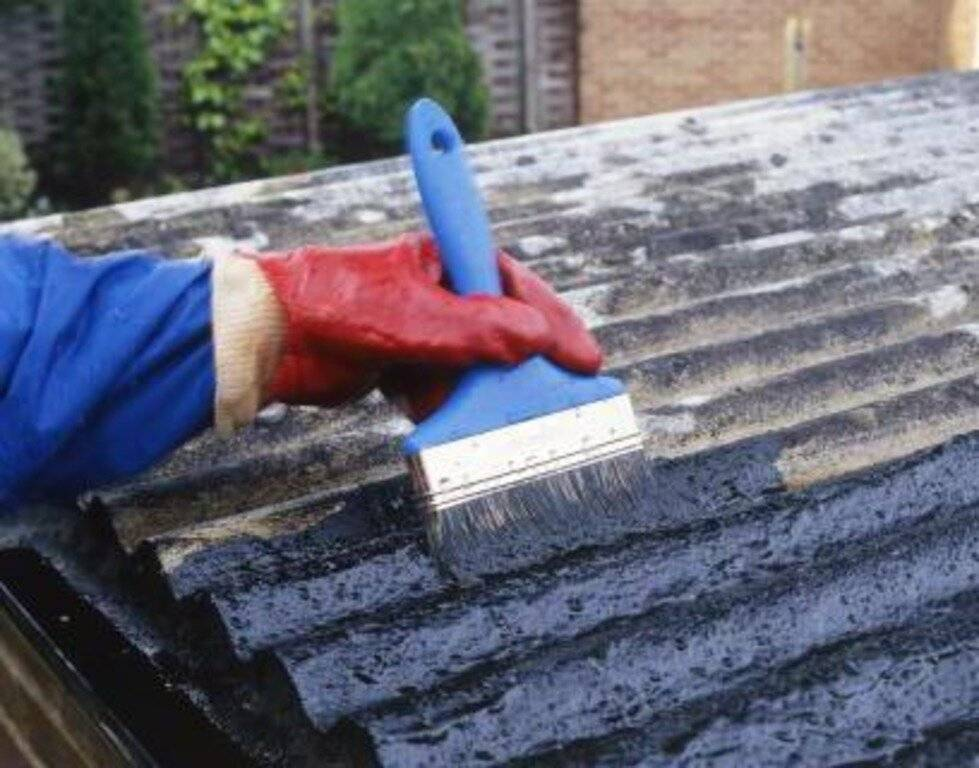 Чем заделать трещины, дырки и щели в шифере — самые эффективные средства и методы ремонта