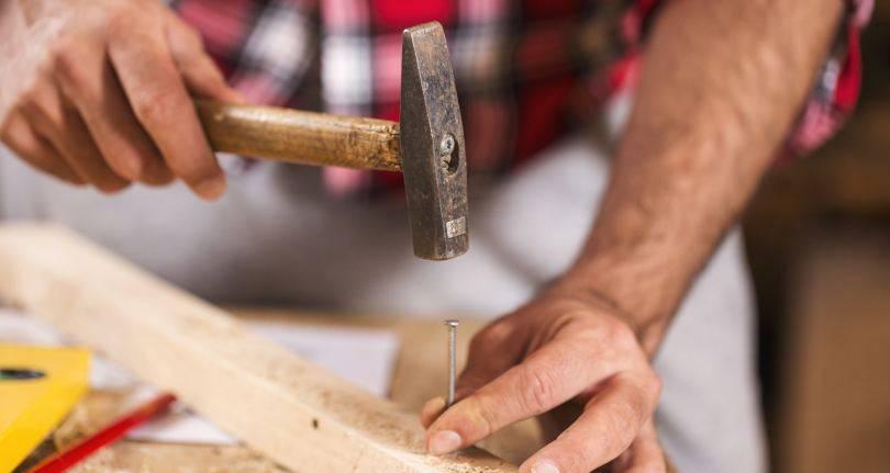 Как забить гвоздь в бетонную стену: инструкция