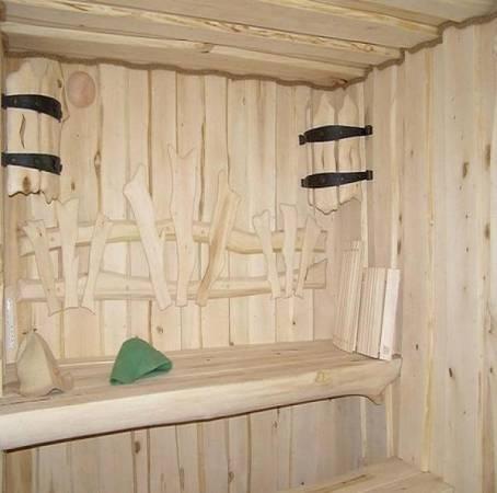 Что можно сделать из досок? 58 фото поделки из обрезков и остатков своими руками, люстра и вешалка, кашпо для дачи и сада, светильник на потолке и другие изделия
