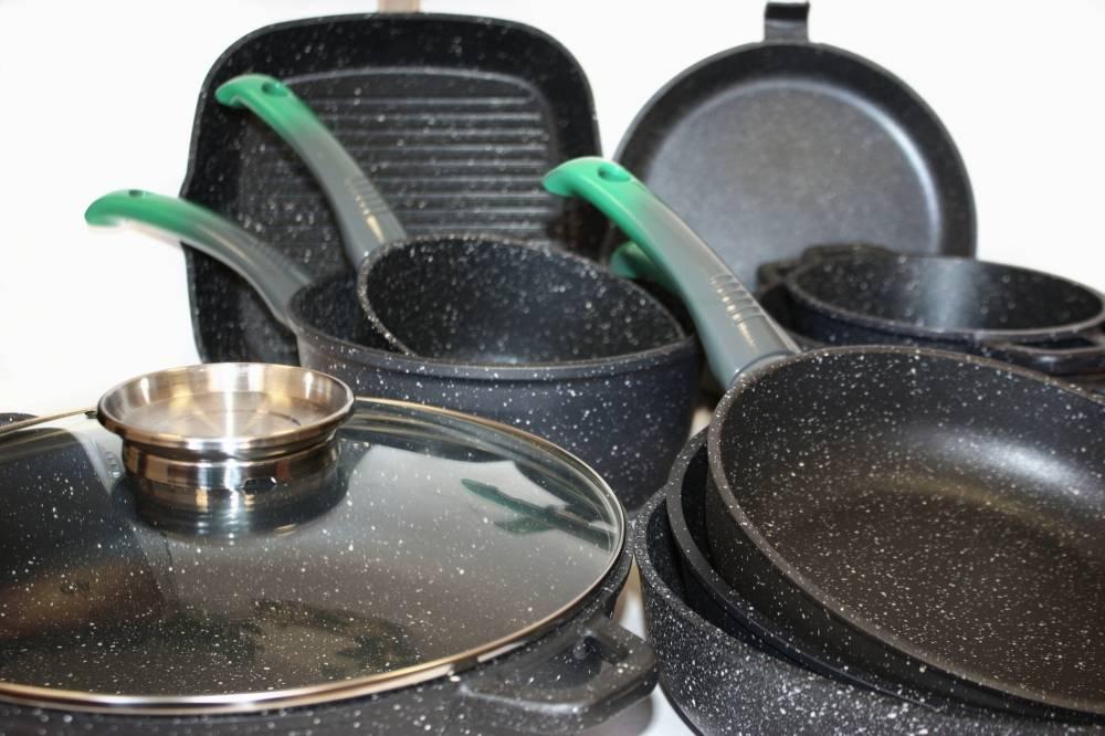 Какую жаропрочную стеклянную кастрюлю выбрать для плиты и духовки