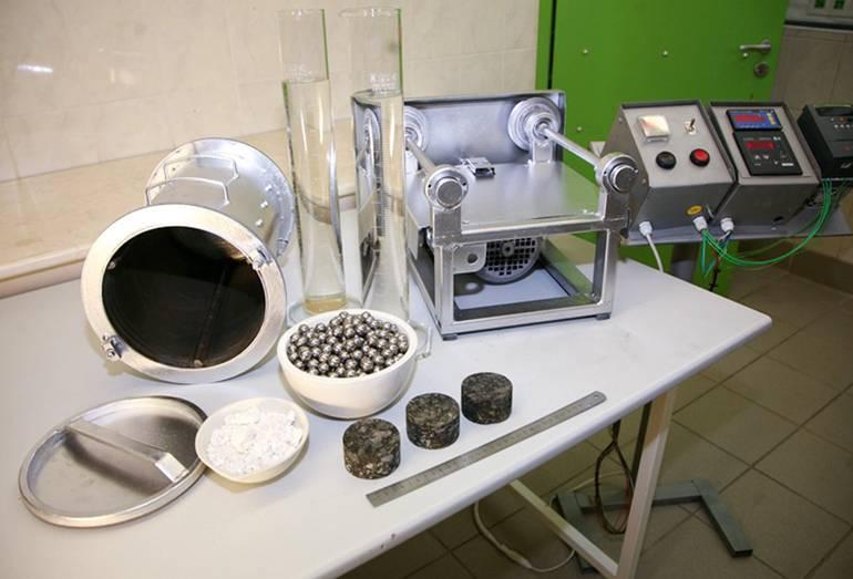 Как проверить дистиллированную воду: какие способы оценки качества в домашних условиях существуют, а также, как сдать анализ в лабораторию
