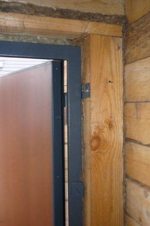 Что делать если повело деревянную дверь?