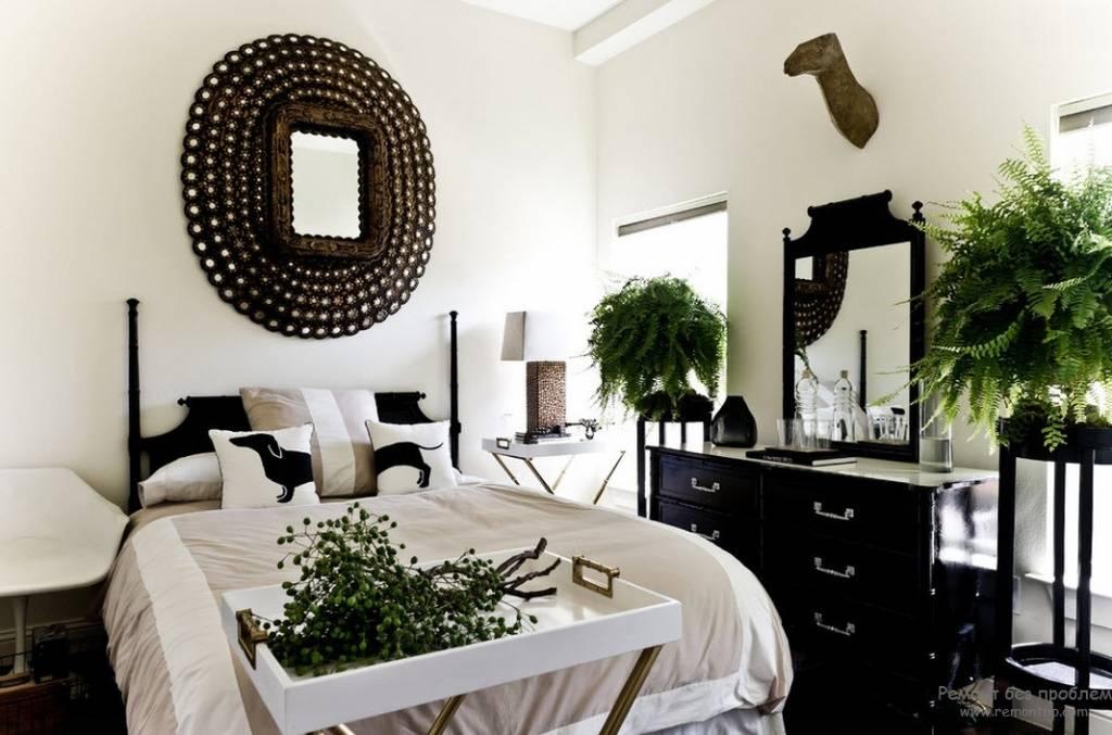 Зеркало в спальне: запреты и особенности размещения