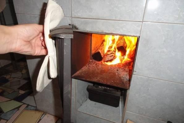 Как топить дровяную печь, чтобы было тепло в доме: подготовка топлива, оптимизация отопления
